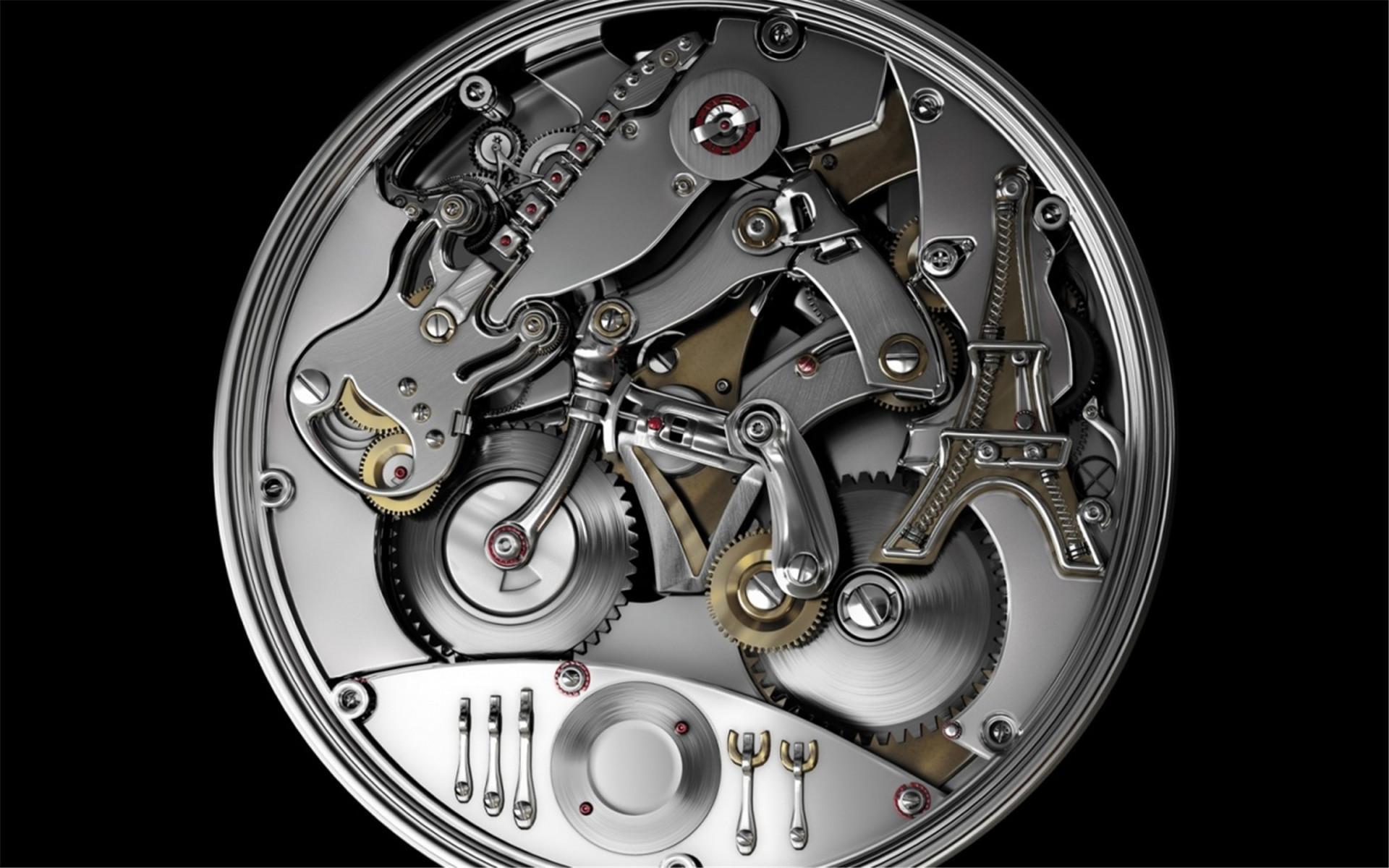 不妨有两,三只表在日常生活中替换:静态活动时配戴机械表,从事运动时